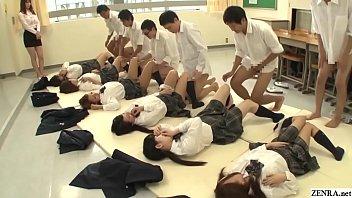 Future Japan: sexe obligatoire à l'école mettant en scène de nombreuses écolières vierges ayant des rapports sexuels missionnaires