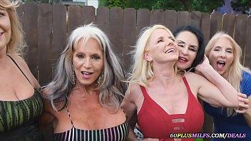 mamies font une orgie avec des jeunes mecs